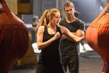 752fe64fed870572_divergent-movie-stills-bts-photo-hq-untagged-divergent-34842237-2880-1920