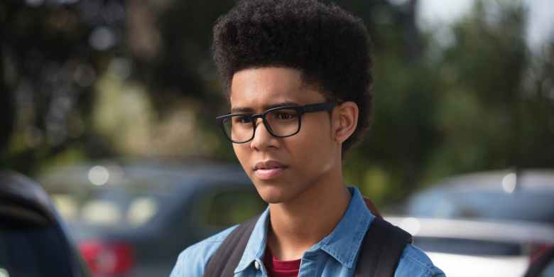 rhenzy-feliz-as-alex-wilder-in-marvels-runaways