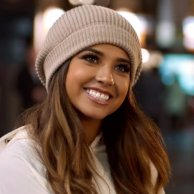 Becky-G-Todo-Cambio-Music-Video