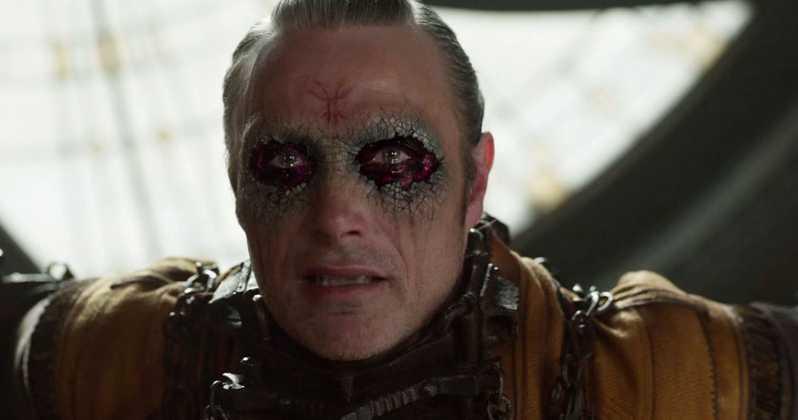 Doctor-Strange-Deleted-Scene-Kaecilius-Dormammu